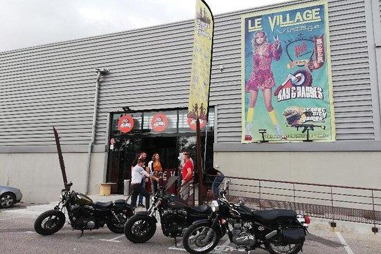 Le Village - La Garde
