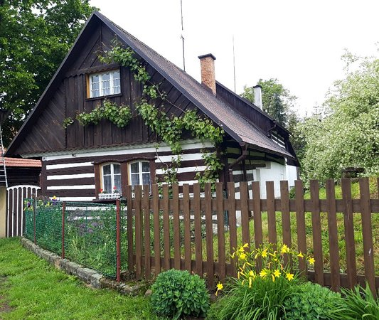 Hiking from Sobotka to Kost you pass through the idyllic village of Vesec, know for its folk architecture.