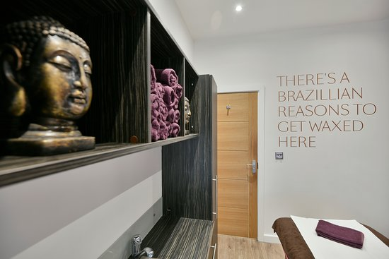 Q61 Nail & Beauty Studio - Leeds Image