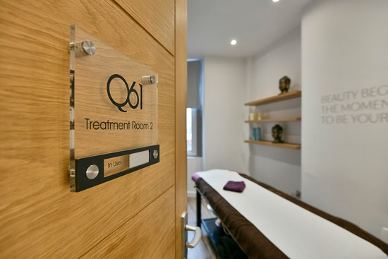 Q61 Nail & Beauty Studio - Leeds