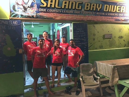 Salang Bay Divers: Singapore group