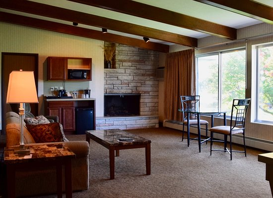 Evergreen Resort: Blue Spruce Room 116 & 217