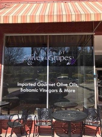 A Taste of Olives & Grapes