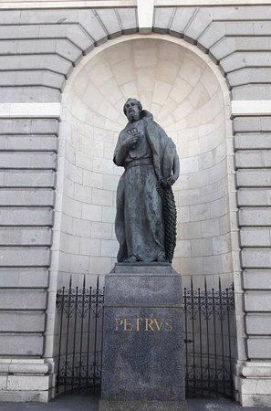 Petrus Estatua
