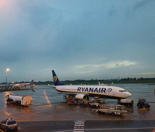 Ryanair l Marconi di Bologna, imbarco