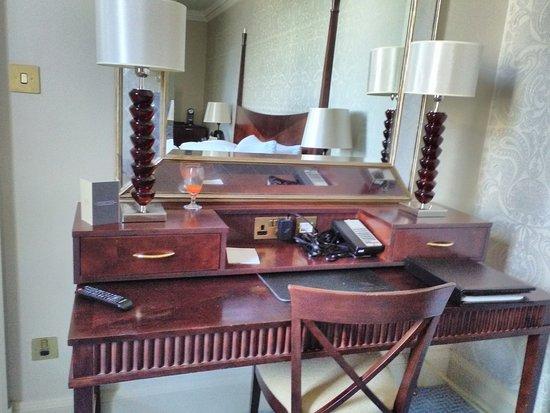 Waldorf Astoria Edinburgh - The Caledonian: A double room