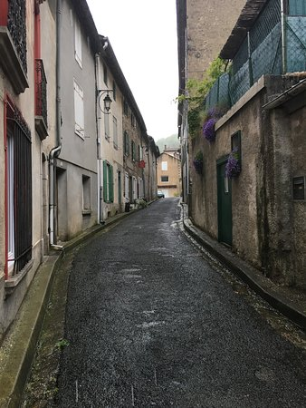 Cuxac-Cabardes, France: The street, Chez Providence on the left. You can drop off luggage.