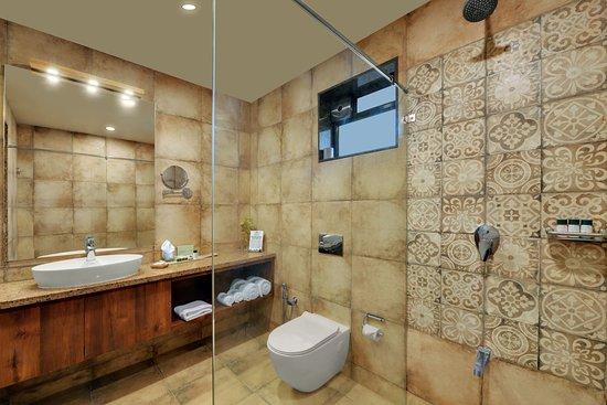 The Fern Sattva Resort Polo Forest: Bathroom