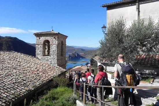 Castel di Tora Photo