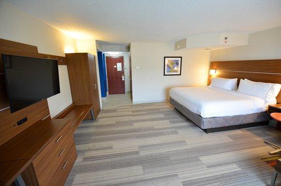 Holiday Inn Express Pittsburgh-Bridgeville: Guest room