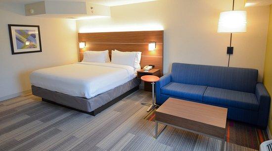 Holiday Inn Express Pittsburgh-Bridgeville: Suite