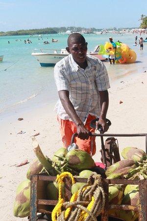 Visitez le sud de la République Dominicaine et les magnifiques plages de BOCA CHICA et de JUAN DOLIO ! VOTRE PROGRAMME PERSONNALISE  DE VISITE DE LA REPUBLIQUE DOMINICAINE  SUR DEMANDE AUTOURDUMONDE2023@GMAIL.COM https://youtu.be/X8jPMtW3gmY   ET SUIVEZ NOUS, COMMENTEZ ET LIKEZ SUR FACEBOOK @PHILVERH https://www.facebook.com/philverh/?modal=admin_todo_tour