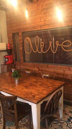 写真Olive And Lemon Cafe / Bistro枚
