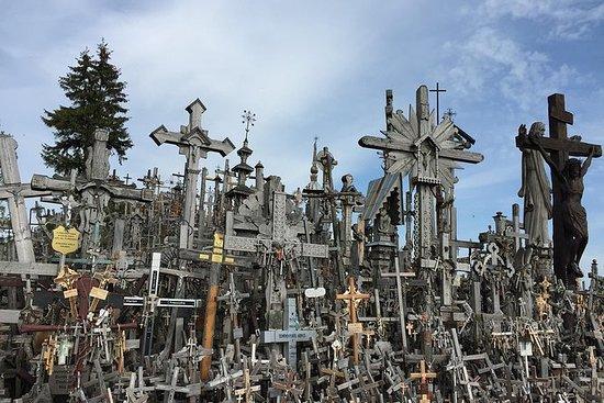 来自考纳斯的十字架和Rumsiskes山