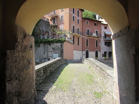 Argegno, Ιταλία: Ponte romanico