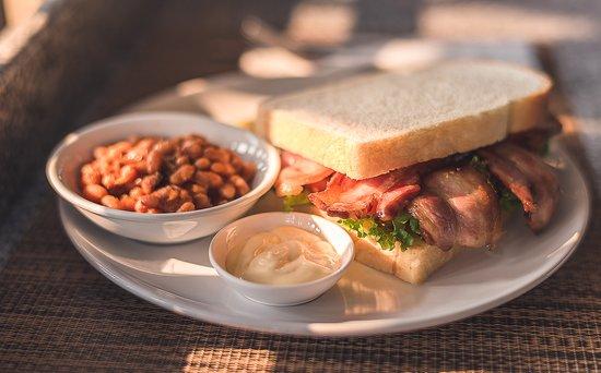 Bacon sandwich with BBQ bake bean