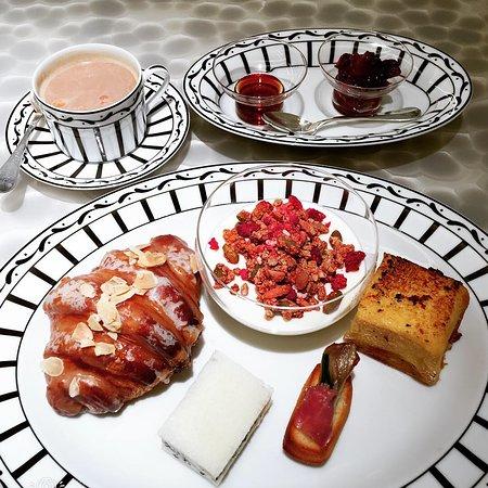 Cafe Dior by Pierre Herme صورة فوتوغرافية