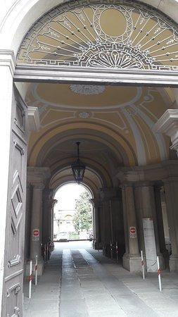Palazzo Caron già Arborio Mella