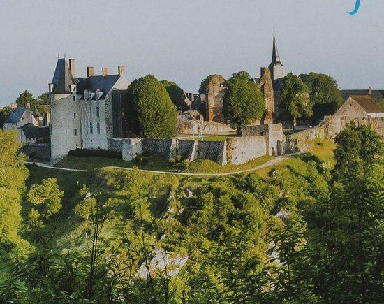 Sainte-Suzanne, Frankrike: la cité médievale