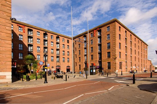 Premier Inn Liverpool City Centre (Albert Dock) Hotel