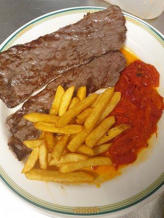 Bar Bodegón Antiguo: Platos de nuestro menú del día todos caseros