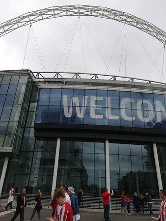 Wembley Stadium: Sunderland v Charlton Athletic League One play-off final: outside the stadium