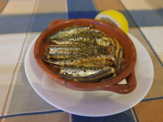 Bridges Gefyria Taverna: Small fish ''Gavros''
