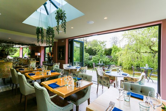 The Secret Garden: Restaurant