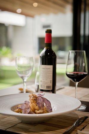 Deliciosa gastronomía del chef Sergio Arias y el equipo de cocina y sala del restaurante
