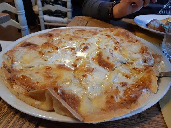 Ristorante Montallegro: focaccia al formaggio