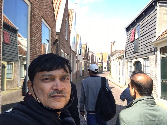 Edam, The Netherlands: Great experience of old city, calm clean reach very nice , most old people, stores are good , green .. do stop here for 1 hr