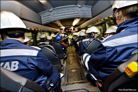 Gallivare, Szwecja: Mellan 24 juni till 16 augusti 2019 avgår en buss under vardagar (måndag-fredag) kl. 09:00 från Rescentrum (tågstationen) i Gällivare. Ni kommer tillbaka till samma plats kl. 12:00.