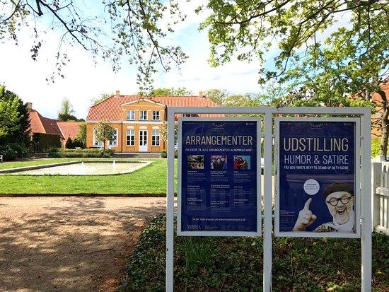 Frederiksberg, Danemark : Alhambra museet for humor og satire