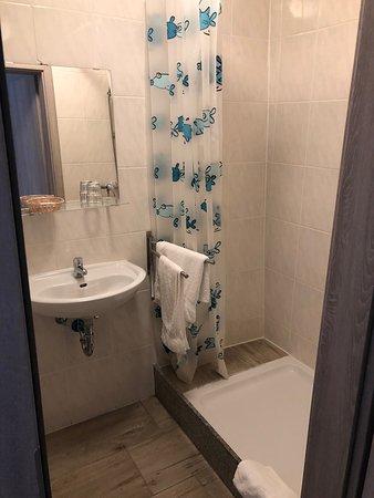Salle de bain (chambre simple)