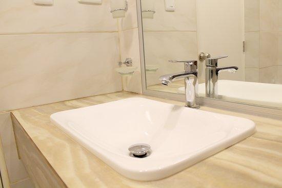 Zarumilla, Peru: Diseños modernos y elegantes en todos nuestros ambientes del hotel!