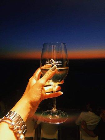 Wine tasting-cheers