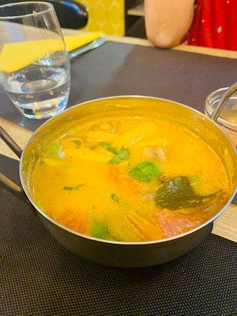 Chatillon, ฝรั่งเศส: soupe aux crevettes et à la citronnelle, archi bonne