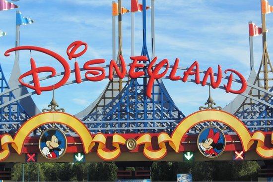 Go Ride Shuttle Service: Disneyland