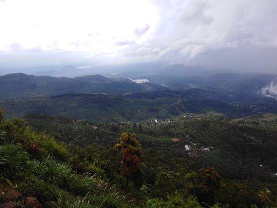 Haputale to Lipton seat visit Tuk Tuk Safari and trekking hiking Tours Haputale Sri Lanka