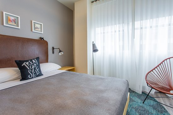 Moxy San Diego Downtown/Gaslamp Quarter: Guest room