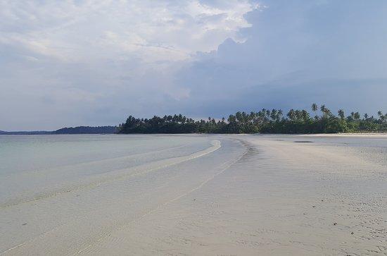 beach combing... strolling back towards Mutiara Beach