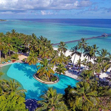 Sun Island Resort and Spa: Main bar beach