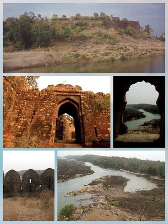 Harda, อินเดีย: Joga Fort is an ancient fort built by Jats. The only way to reach is through Boat. The great warrior Joga Singh Rao constructed this fort. The area surrounding the fort in a radius of about 25 km is a good natural forest. It is situated on a 1000-meter-high island above Narmada waters. Accommodation Type: Camping Activities: Boating, Trekking, Cultural Experience, Nature trail, Bird watching, good relaxing place