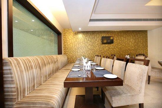 Interior - Picture of OYO 12989 White Diamond Hotel, Jalandhar - Tripadvisor