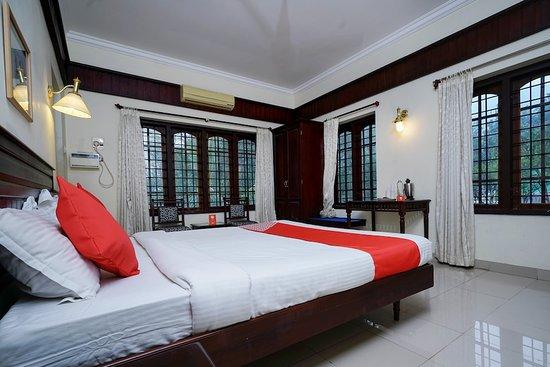 OYO 10638 Chandana Royal Resorts