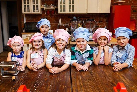 Kids Culinary Studio Eva
