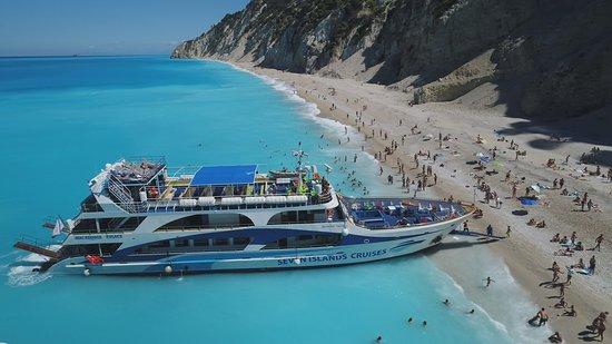 Lefkas Cruises
