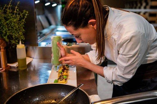 Akademia - Open Kitchen Restaurant: lady chef