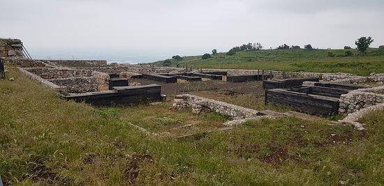Parco Archeologico di Norba: Particolari del Sito