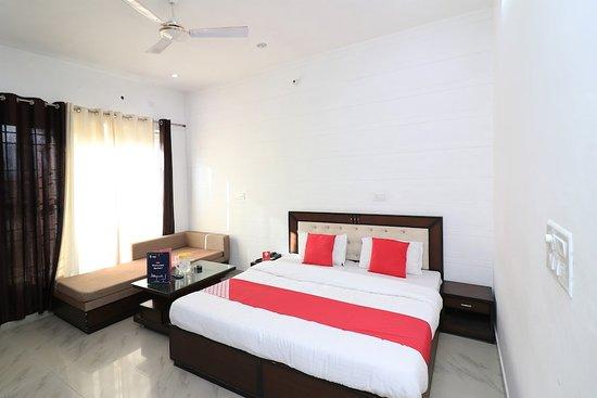 Capital O 33483 Hotel Chembarathy Garden صورة فوتوغرافية